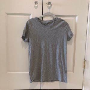 Gap 100% recycled gray tee